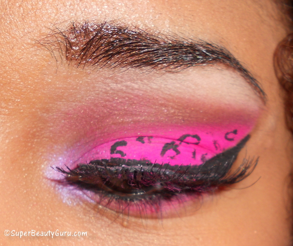 leopard print eye