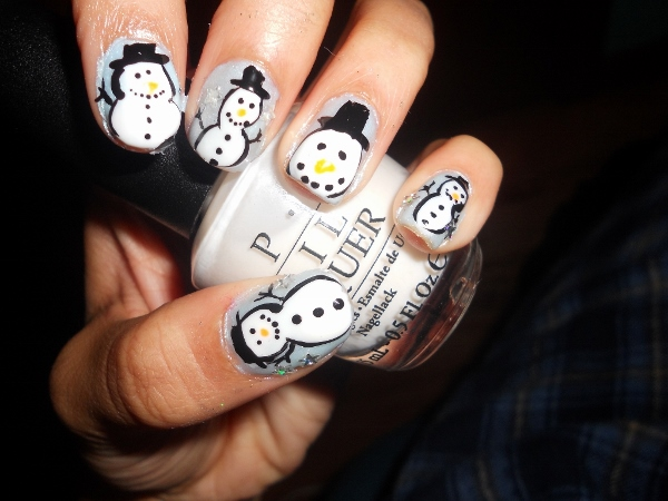 How to paint snowmen on nails