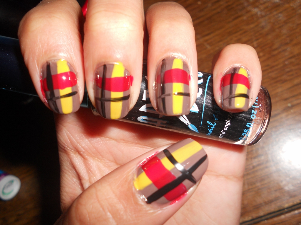 Plaid Nail Art Design Tutorial: How to Paint Plaid Nail Polish on ...