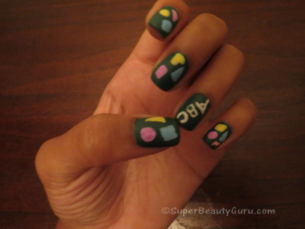 Chalkboard Fingernail Design