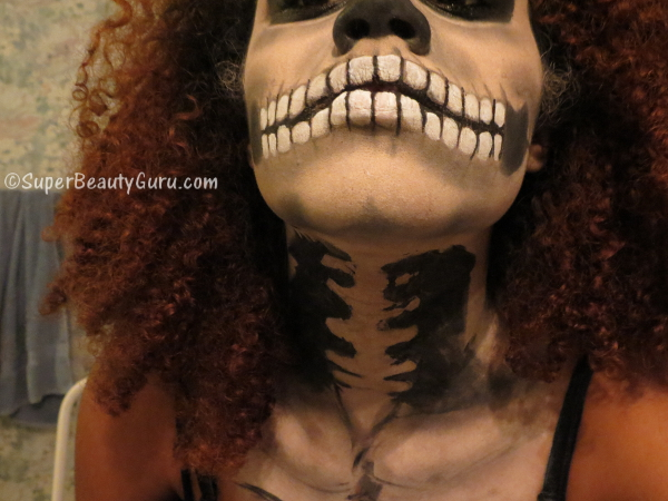 How to paint a skeleton on your body