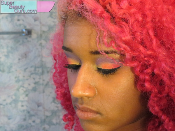 how to wear colorful summer makeup